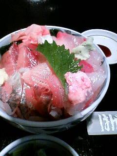 小田原の海鮮丼:かわはぎの胆が美味